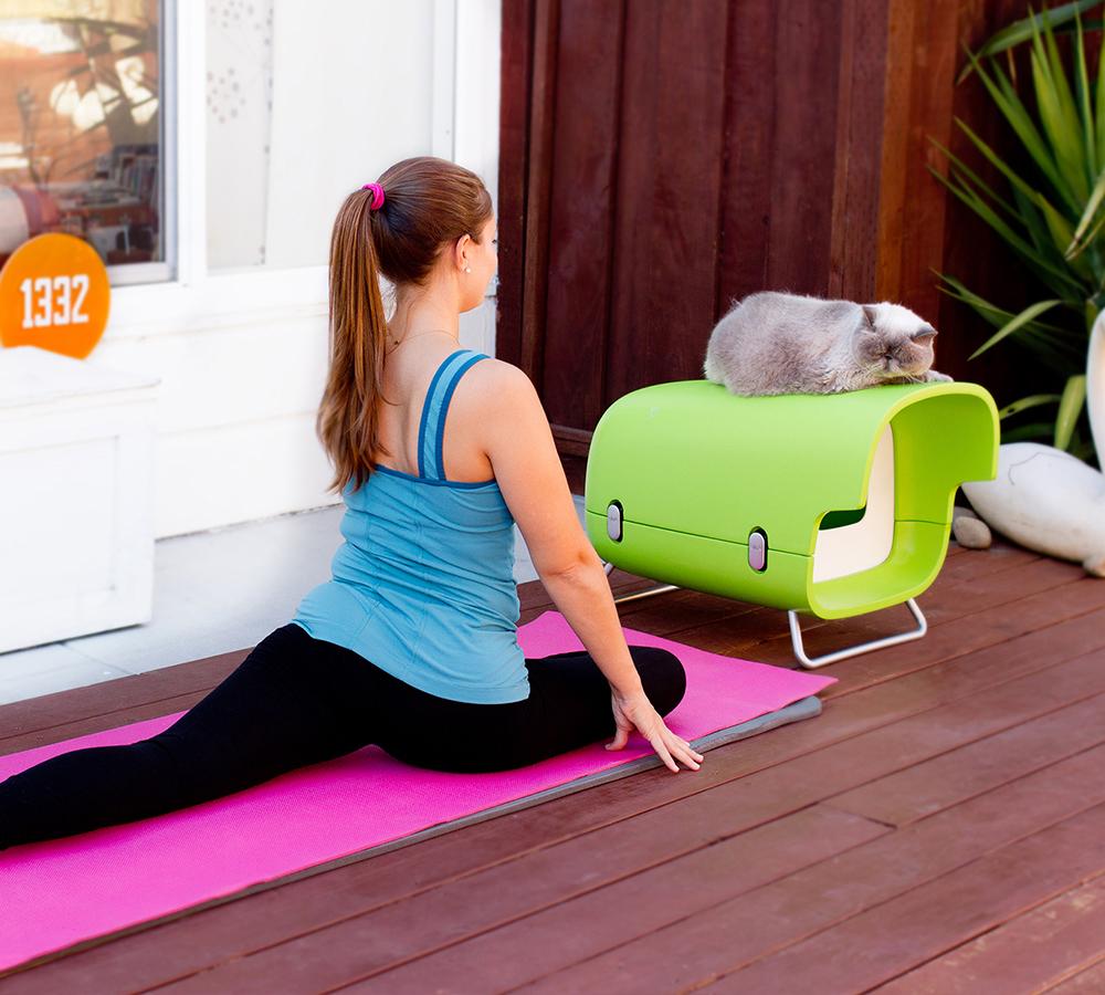 Blink Pet – Outdoor Cat House